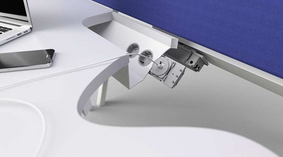 puma-render-desk-cutout