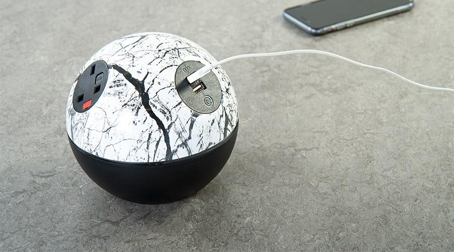 marble-black-swiss-tuf-phone