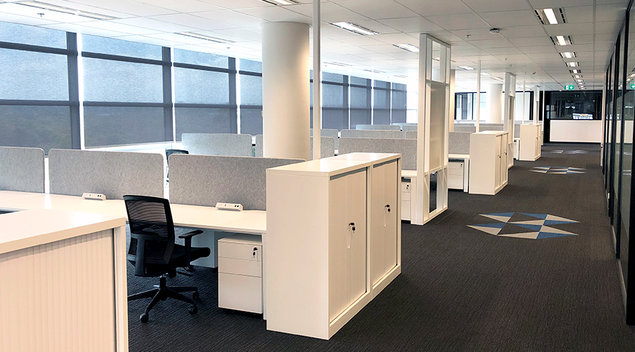 Qiksilva In the Office OE Elsafe